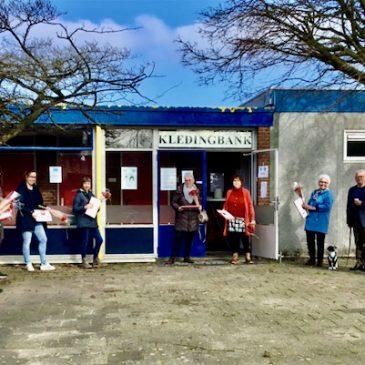 Vrijwilligers Kledingbank Ermelo in het zonnetje